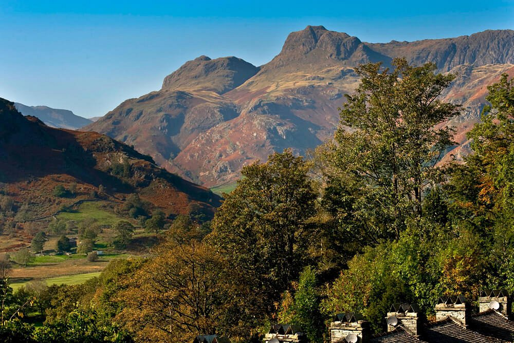 2 Lingmoor View overlooking Langdale Pike