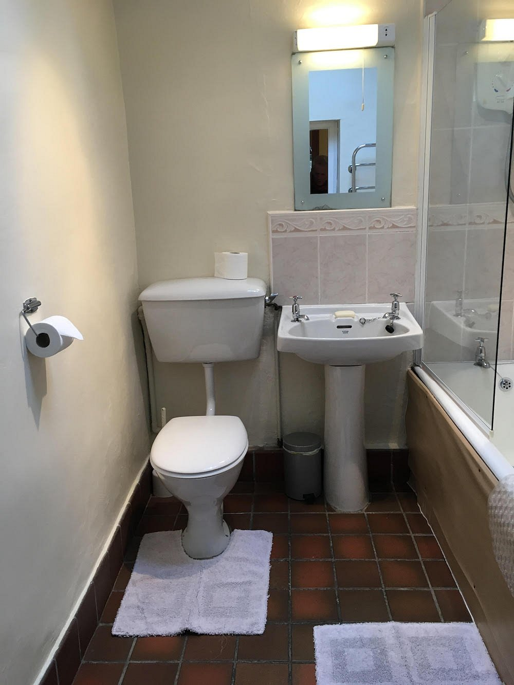7 Lingmoor View, Bathroom